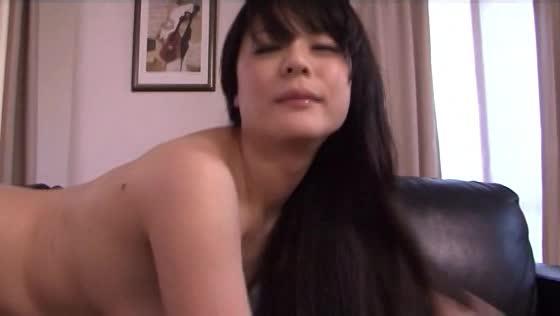 美人の無料ハメ撮り動画。夫に内緒で他人棒を満喫する自由奔放の美人妻